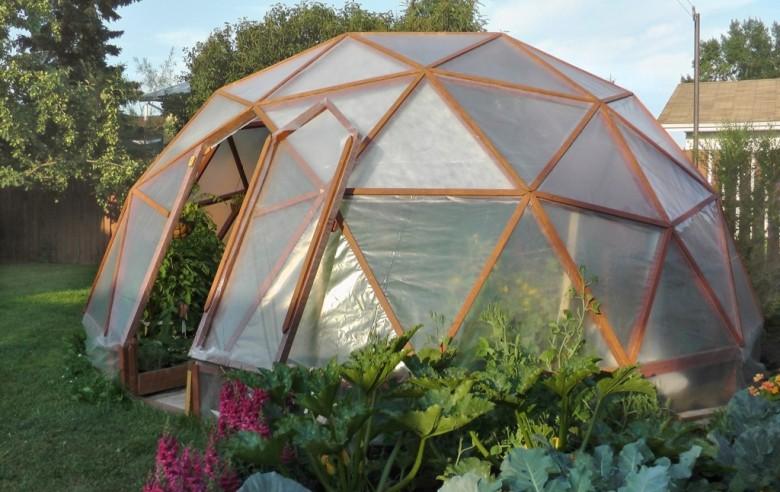 Оформляем садовые клумбы: нестандартные решения из подручных средств